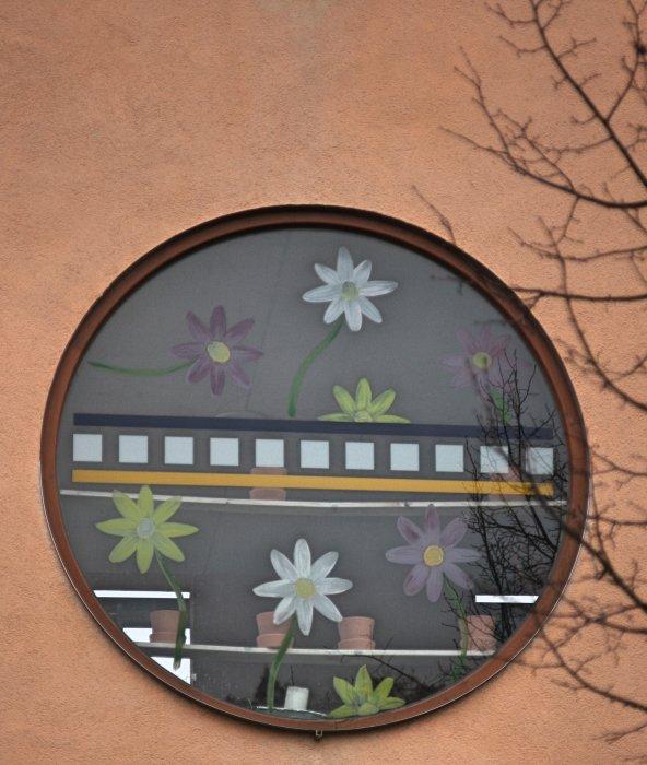Fenster von Wohnstätte mit Tagesstruktur
