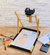 Scandi Smartphonehalterung / Lesehilfe Handyhalterung  - ohne weitere Hilfe Briefe, Dokumente und Sonstiges einscannen lassen